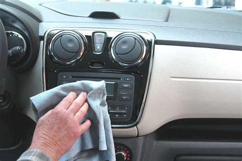 nettoyer sieges auto nettoyer les sièges de sa voiture 10 trucs nettoyage