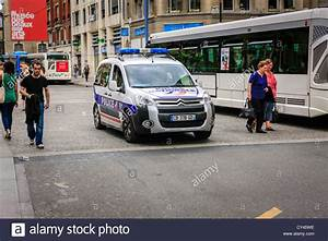 Voiture Police France : french police car photos french police car images alamy ~ Maxctalentgroup.com Avis de Voitures