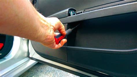service manual   remove  door panel
