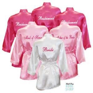 bridesmaid robe set of 11 personalized satin robes with title on back bridesmaid robes bridal robes