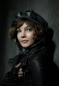 Camren Bicondova And Her Mom Jessi Jessica Pictures