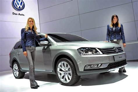 york auto show girls autotribute