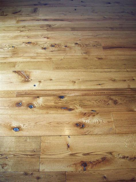 antique reclaimed oak t&g barn wood floor in varying