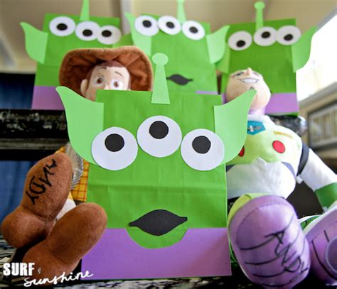 Toy Story Party Bag Template by Diy Disney Toy Story Alien Craft Party Favor Bags Surf