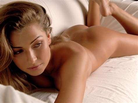 nikki nardini teaseum bikini model hot girl hd wallpaper