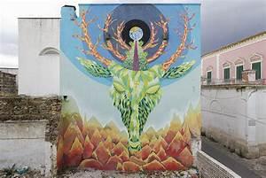 Viavai Project: street art a Racale Italian Life