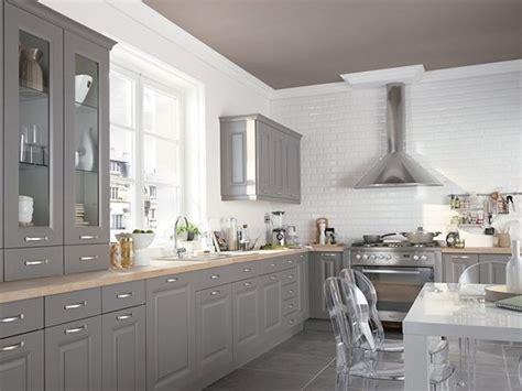cuisine blanche et taupe le top déco des nouvelles cuisines castorama