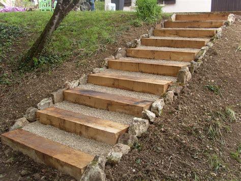escalier en traverse de chemin de fer hervier paysages terrasse en bois et escalier en traverse bois