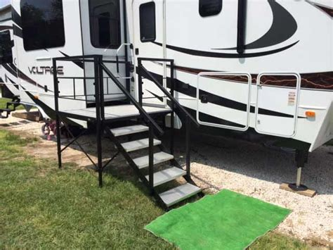 Portable Porches by Portable Rv Steps Decks And Porches For 5th Wheels