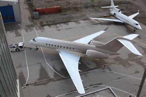 happy design studio wraps private jet  gradient stripe