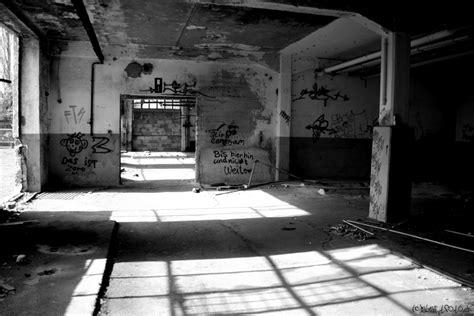 bis hierhin und nicht weiter bis hierhin und nicht weiter foto bild architektur lost places wirtschaftswunden bilder
