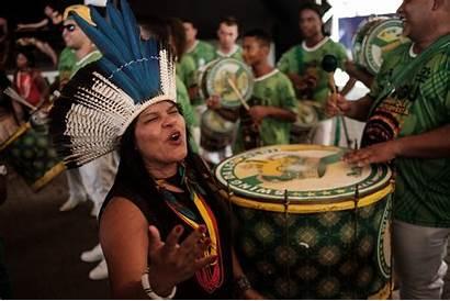 Indigenous Brazil Land Carnival Rights Leopoldinense Imperatriz