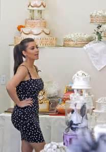 vera wang wedding dresses 2011 tastes wedding cakes