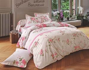 Linge de lit fleurs poudrees becquet creation becquet for Chambre bébé design avec drap plat fleuri
