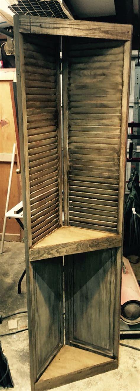 repurposed bifold door corner shelf     easy