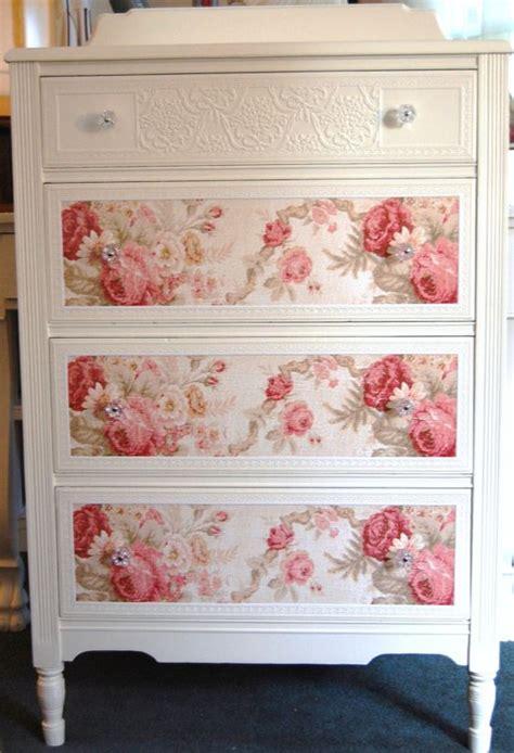 decor mural a tapisser shabby chic dresser ideas for the house cottage chic meubles et shabby chic