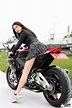 今日星正妹/「重機女神」王晨飄 皮衣短裙美腿超吸睛 - Yahoo奇摩新聞