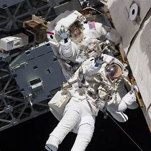 Suburban spaceman: NASA ISS EVA Images: Robotic Arm ...