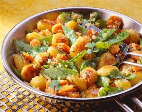 cuisiner les pois mange tout poêlée de légumes recette au boulgour