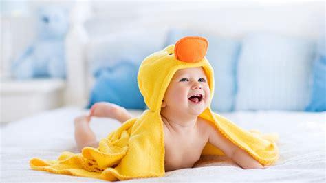 wallpaper cute baby laugh  bath duck towel yellow