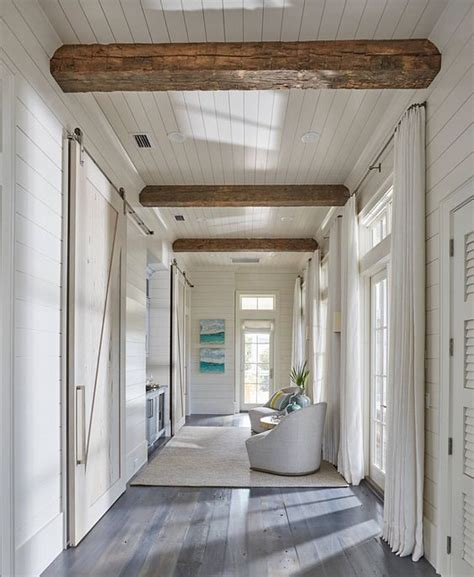 Shiplap Wall Hanging by Best 25 Shiplap Ceiling Ideas On Wood Beams