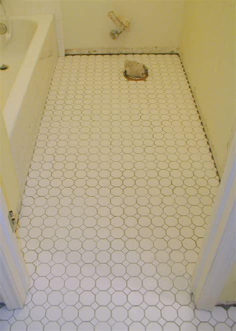 Laminate Tile Flooring For Bathroom by 30 Magnificent Pictures Bathroom Flooring Laminate Tile Effect
