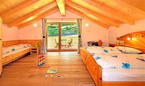 Appartamenti Per Le Vacanze by Appartamenti Per Le Vacanze A Funes Planatschhof