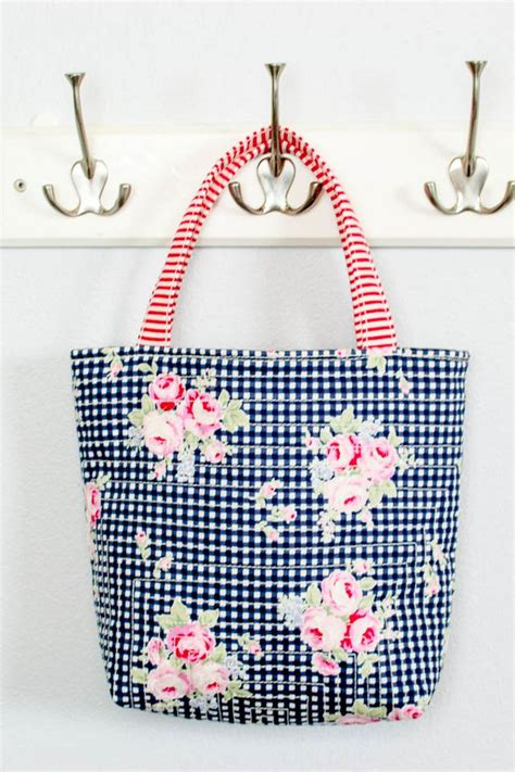 tote bag patterns   sew   day  tips    happen  sews
