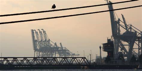 greve port du havre le trafic du port du havre perturb 233 par un mouvement de gr 232 ve