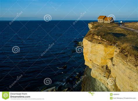 chambre rivage chambre sur le bord d 39 une falaise image stock image 4908491
