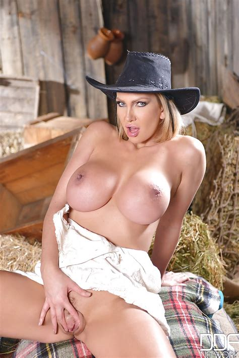 Blonde Milf Leigh Darby Posing Non Nude In Cowgirl Boots And Hat Pornpics Com