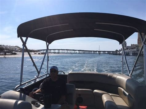 Aloha Boat Rentals Destin Fl by Large Pontoon So Clean And Great Radio Picture Of