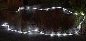 Lampade e catene di luci LED per Natale e vetrine dei negozi: sconti da 10,49 euro Macitynet it