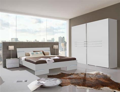 armoire chambre 4 portes armoire 4 portes chambre à coucher blanc