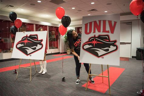 Spt Stands For by Unlv S New Logo Quickly Met With Harsh Reviews Las Vegas