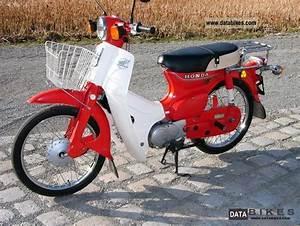 Honda C 70 motorcycle | Elviralata.com