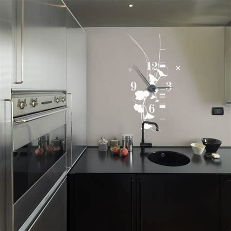 horloge design cuisine découvrez les horloges murales géantes en sticker avec