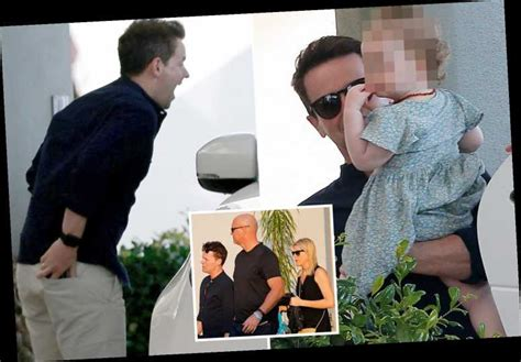 I'm A Celeb's Declan Donnelly plays peek-a-boo with ...