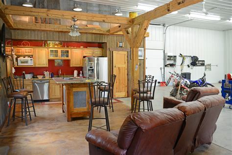 23 Can?t Miss Man Cave Ideas for Your Pole Barn   Wick