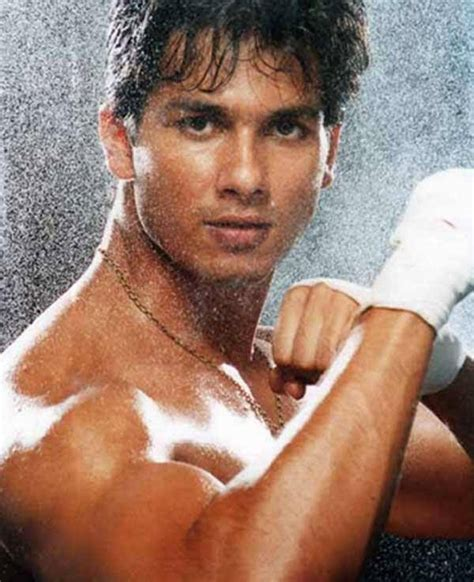 Indian Actor Shahid Kapoor Queerclick