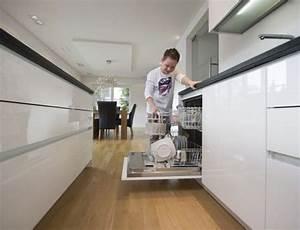 Holzboden In Der Küche : geklebtes parkett punktet in bad oder k che nass machen erlaubt initiative pik 2016 ~ Sanjose-hotels-ca.com Haus und Dekorationen