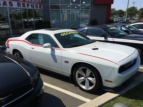 Point Chrysler by Rond Point Dodge Chrysler Lt 233 E 5055 Boulevard