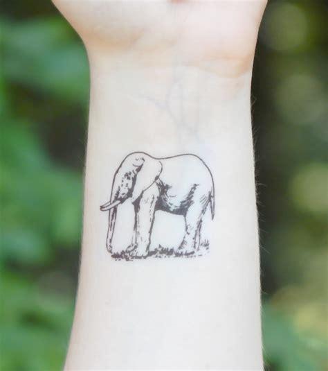 Photo  Tatouage éléphant, Poignet