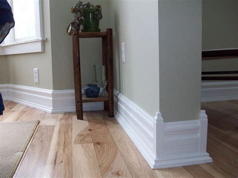 How to Decorate White Baseboard? Should We Paint It in