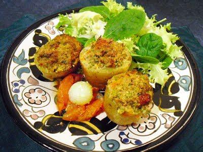 cuisiner les restes de gigot d agneau pommes de terre farcies à l 39 orientale la recette facile