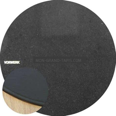 tapis sur mesure rond noir modena par vorwerk