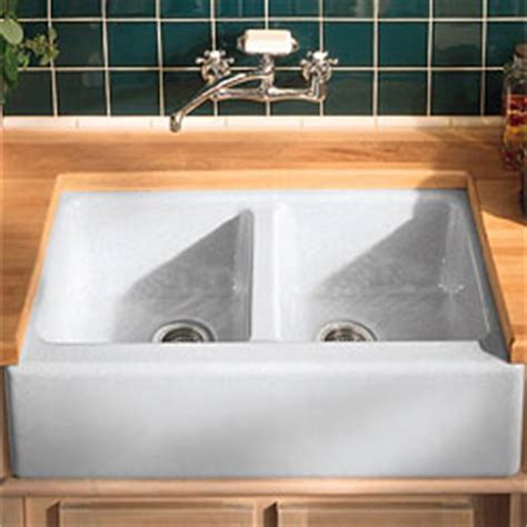 Fireclay Farmhouse Sinks {Durability and Quality
