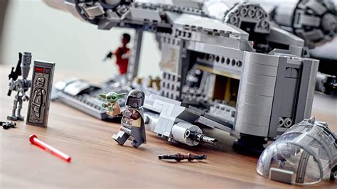 LEGO Star Wars: Mandalorian Razor Crest Is Still Available ...