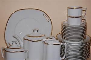Service Porzellan Weiß : kaffeeservice service 11 pers 39 tlg weiss goldrand fraureuth porzellan bilder beachten ~ Markanthonyermac.com Haus und Dekorationen