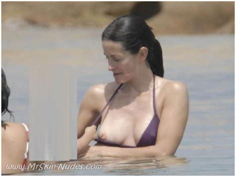 Courteney Cox Nude Bobs And Vagene